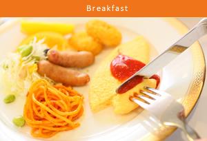 マリーナを望みながら朝食を