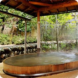 一槍の露天風呂「木もれ日の湯」
