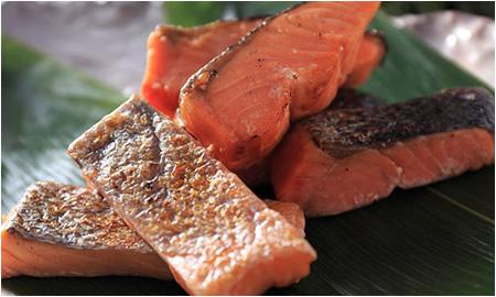 銀鮭塩焼き 脂がのって旨い! 厚切り銀鮭