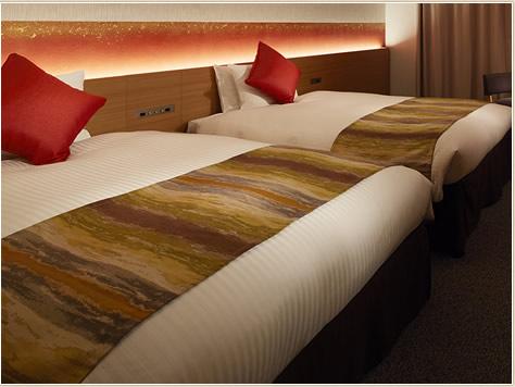 客室はバリエーション豊かで、寝具も充実。