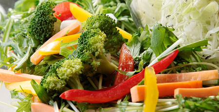 東京産にこだわった特別なサラダ。