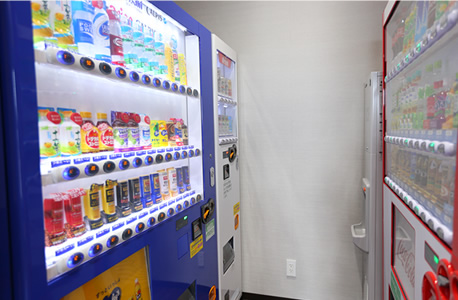 12F 自動販売機