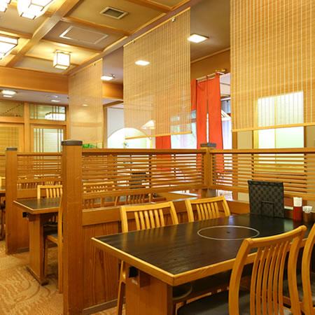 仙台、旬の食材を味わう。豊富なメニューと定食も取り揃え。