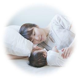 添い寝イメージ画像