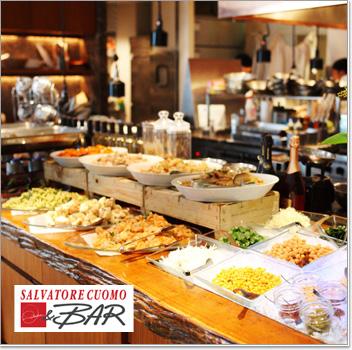 「大地の恵」ビュッフェスタイルの朝食