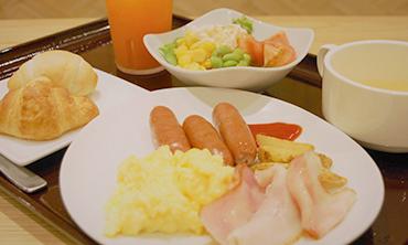 朝食ビュッフェ一例の画像