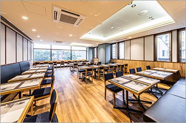 レストラン ボンサルーテ 2階