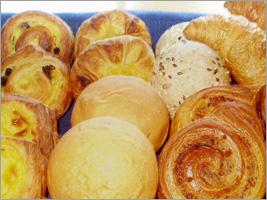 種類も豊富な焼きたてパン